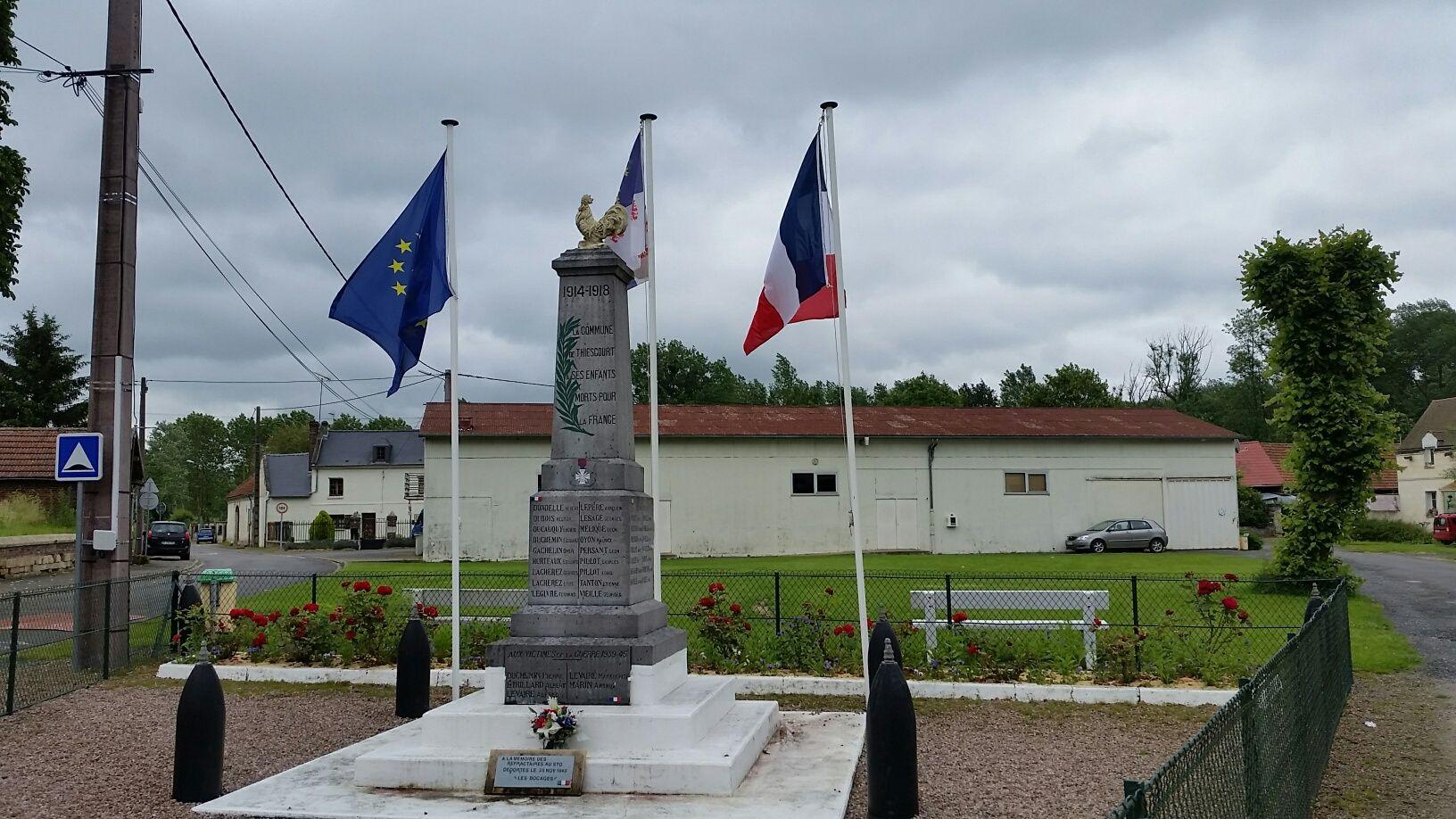 Le coq a retrouvé sa place sur notre monument aux morts.